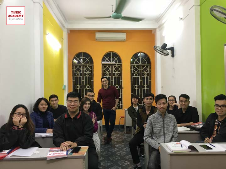 thay-tien-thanh-toeic-academy-1