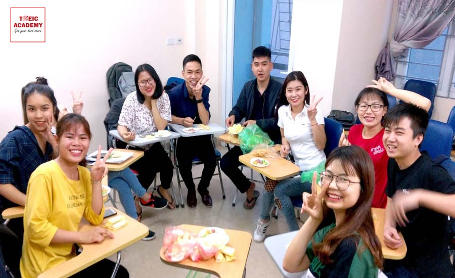 anh-lop-hoc thay-thang2-toeic-academy